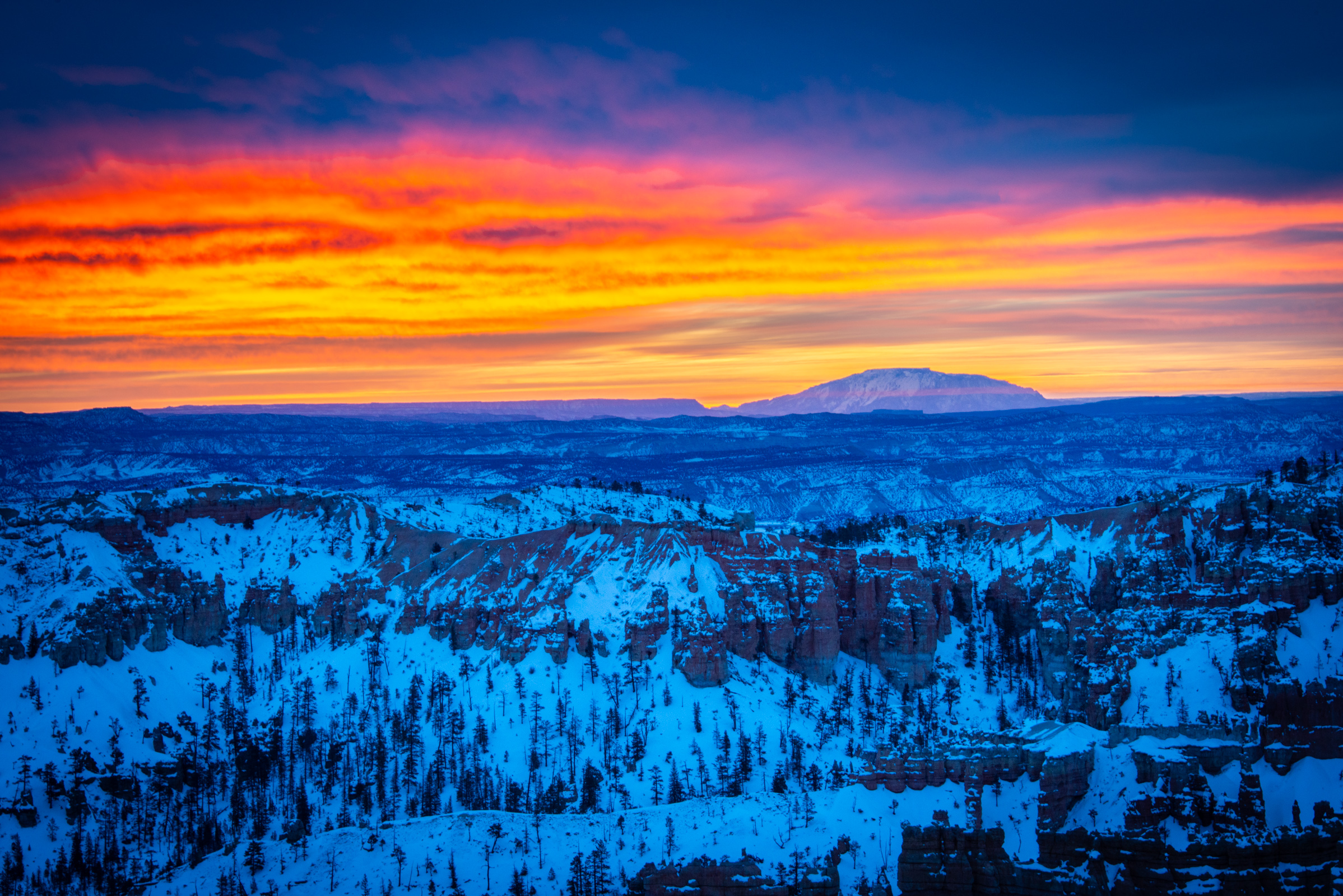 sunrise over bryce canyon, utah, photographed by jamie bannon photography.