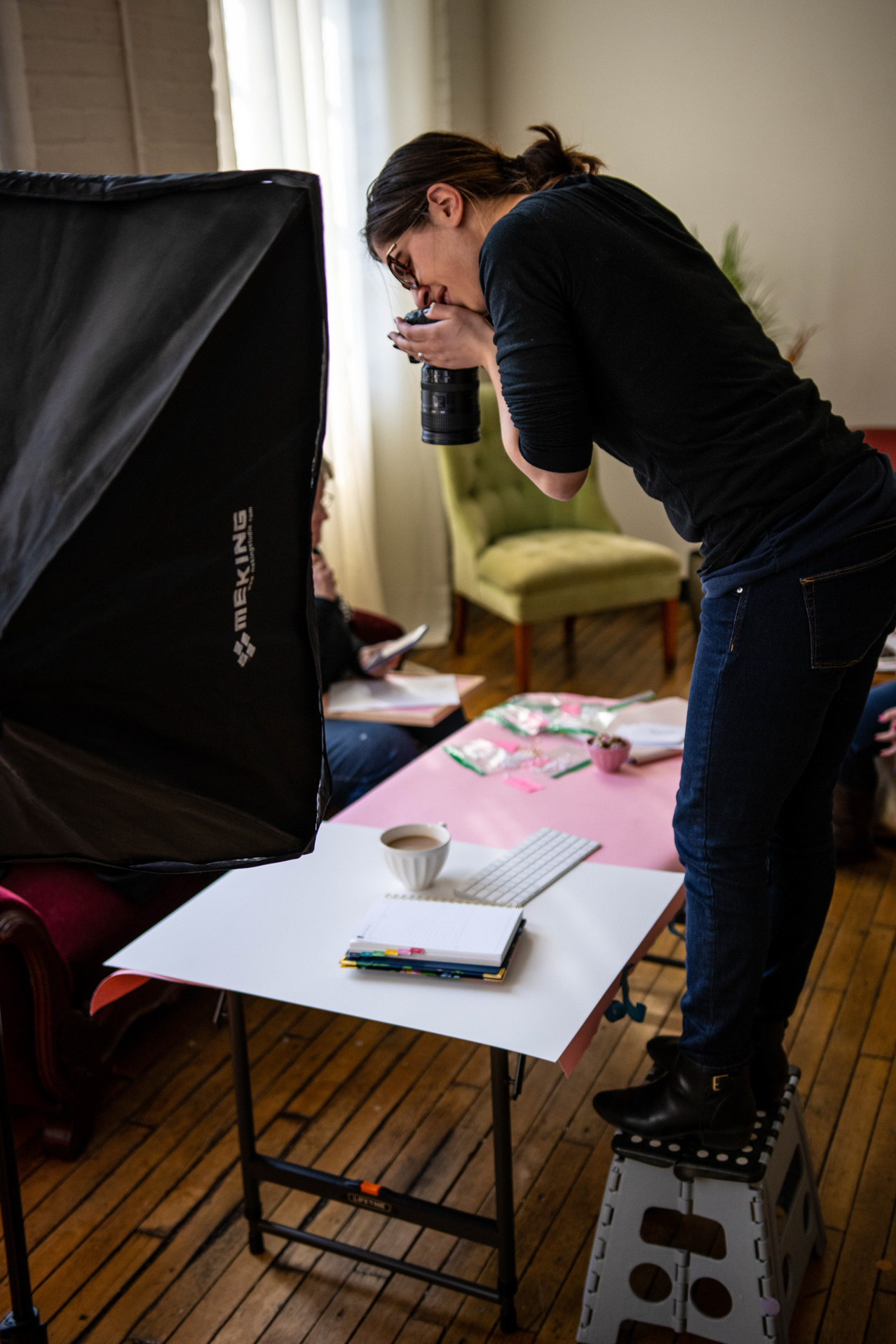 behind the scenes of jamie bannon photography brand shoot with the productivity zone, photographed by chris wilson.